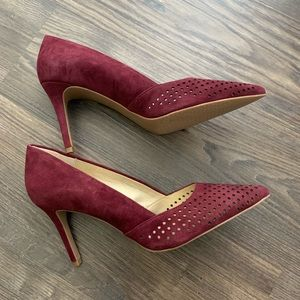 Audrey Brooke NWOT Sloane Burgundy Heels